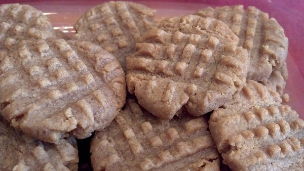 homemade dog treats with peanut butter